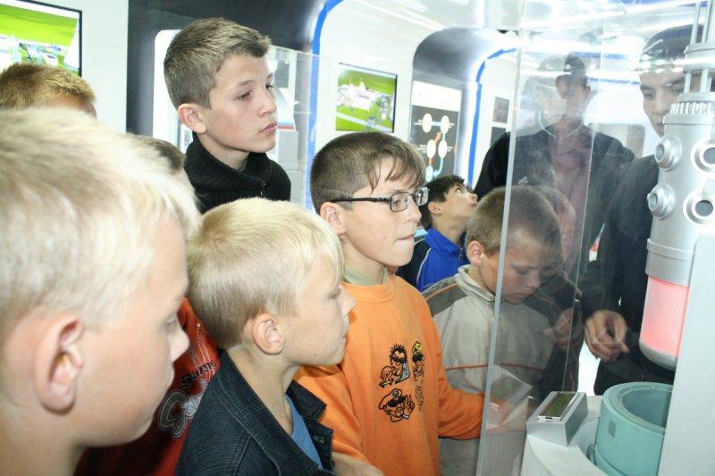 Фото к Пять тысяч и один житель Калининградской области посетили уникальный Музей на колесах