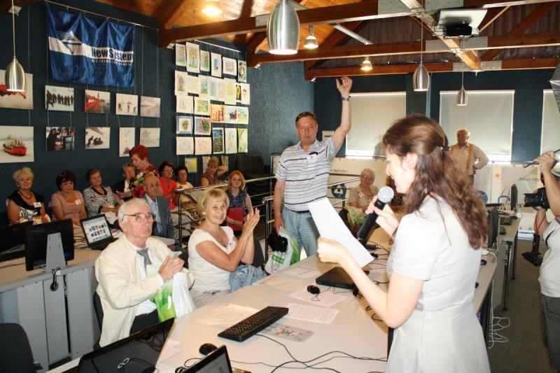 Фото к Калининградские пенсионеры за всеобщую компьютерную грамотность!