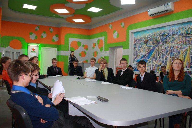 Фото к Ученые-атомщики провели мастер-класс для калининградских школьников