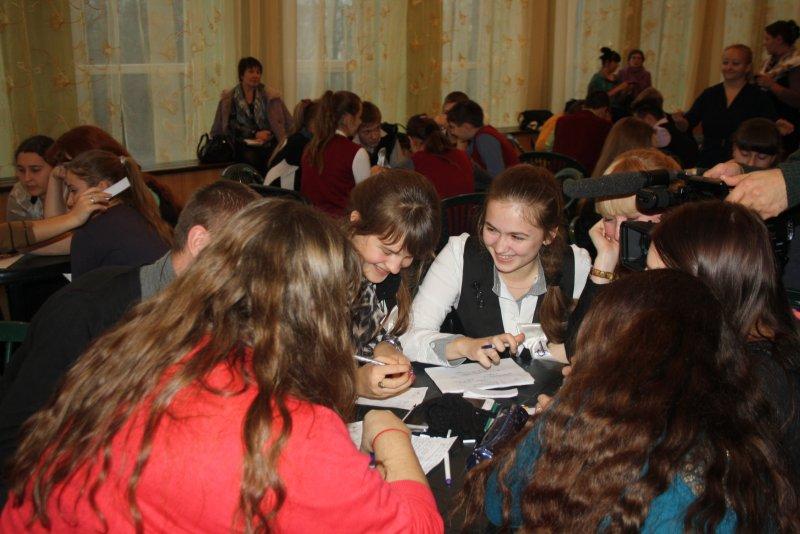 Фото к В Немане прошел турнир по интеллектуальной игре «Что? Где? Когда»? для старшеклассников