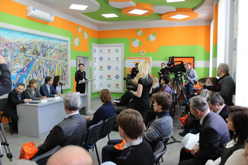 Фото к Более 500 наших земляков стали первыми участниками Фестиваля науки «Грани будущего: рисует Калининград»