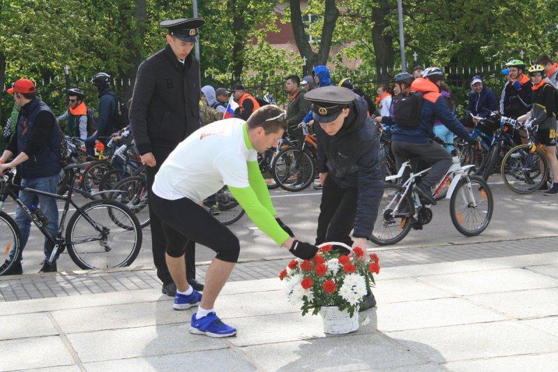 Фото к ИЦАЭ Калининграда поддержал участников мемориального велопробега «Победа»